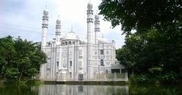 অপরুপ সৌন্দর্যের নিদর্শন নোয়াখালীর হাক্কানী জামে মসজিদ