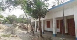 সরকারি স্কুলের জায়গা দখল করে বেসরকারি স্কুল নির্মাণ