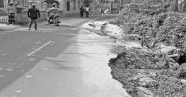 সেনবাগ-প্রতাপপুর সড়ক সংস্কারের বছর না যেতেই ভাঙ্গন