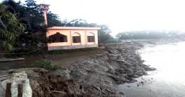 কোম্পানীগঞ্জ:নদীভাঙ্গণে বিচ্ছিন্ন হয়ে পড়ছে চরএলাহী